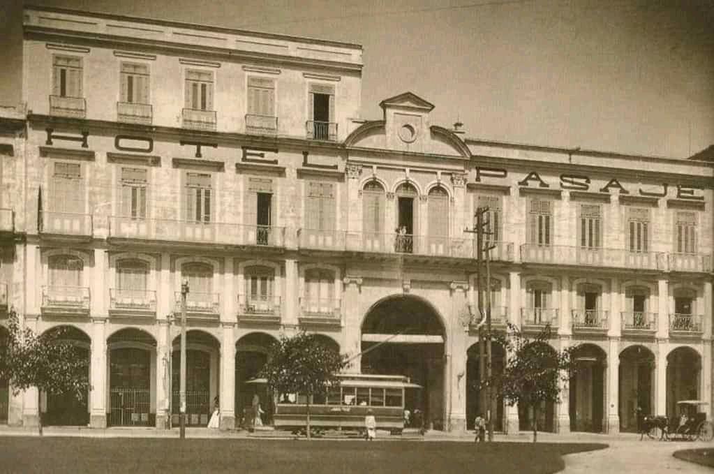 fachada del hotel Pasaje La Habana