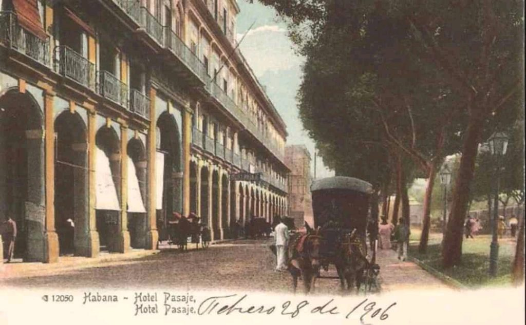 postal del hotel Pasaje la habana prado