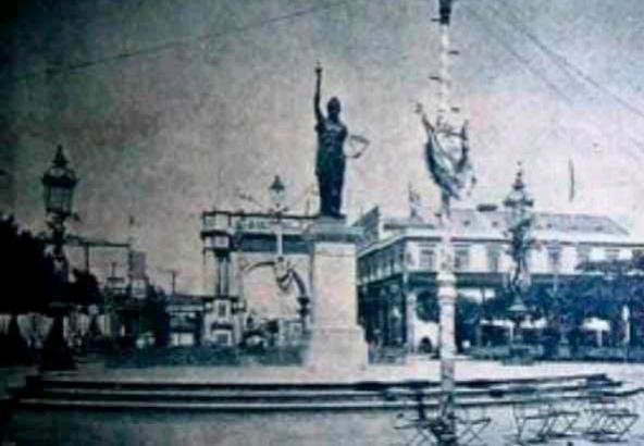Estatua de la Libertad en el Parque Central de La Habana