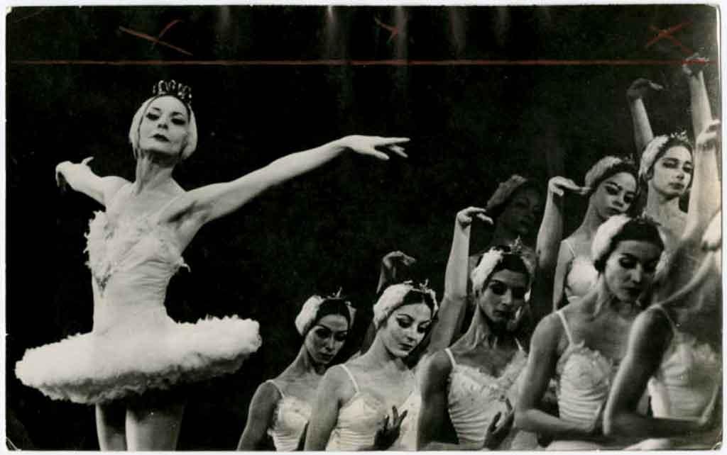 Alicia-alonso.-Segundo-acto-del-lago-de-los-cisnes.-Paris.1970