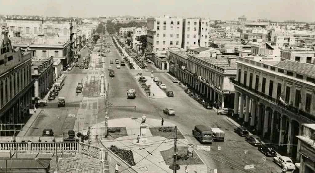 Avenida de Carlos III, antiguo Paseo de Tacón
