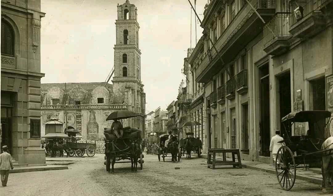 Convento y Plaza de San Francisco de Asis