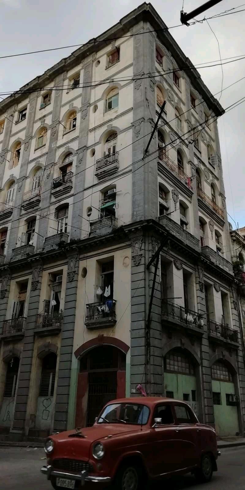 Hotel Ritz Habana calle Neptuno y Perseversncia