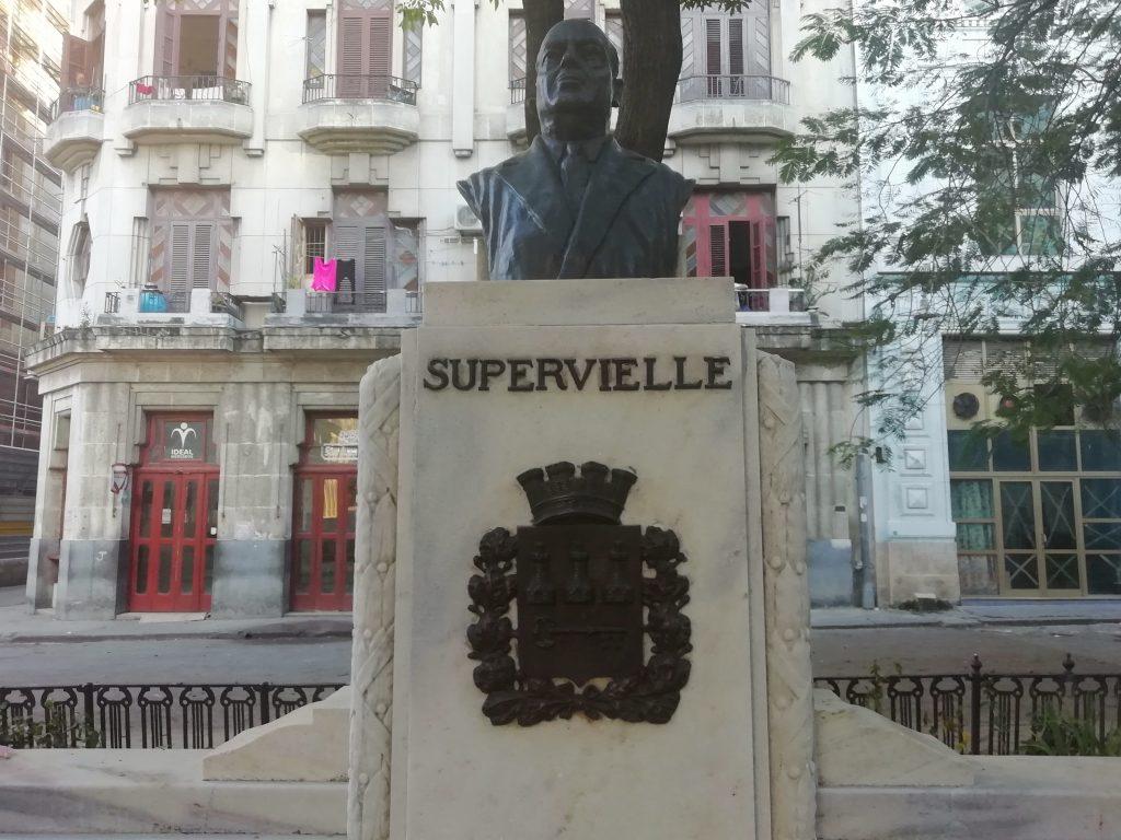 Monumento a Manuel Fernández Supervielle
