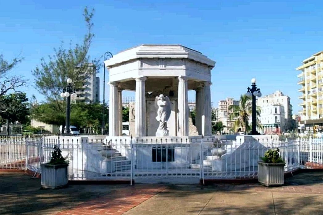 Monumento a lo Ocho Estudiantes de Medicina