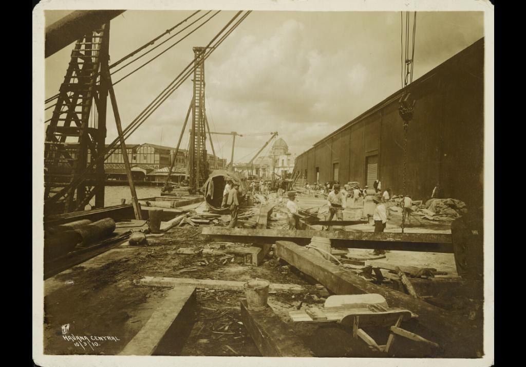 Muelles y almacenes de Paula 1910