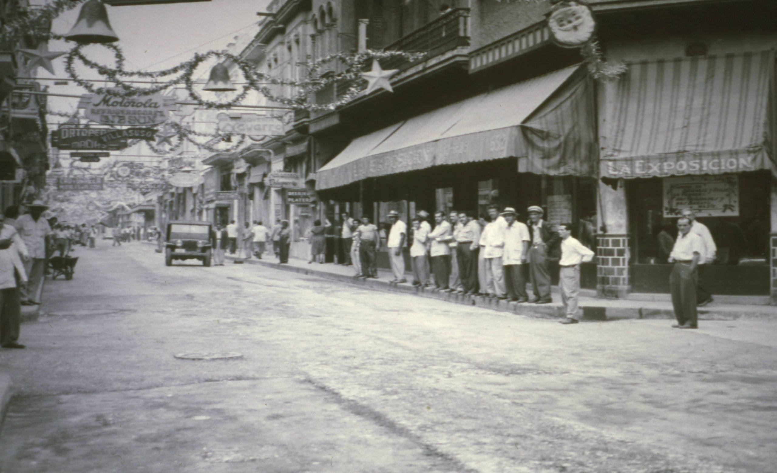 Calle Neptuno.Navidad.1952