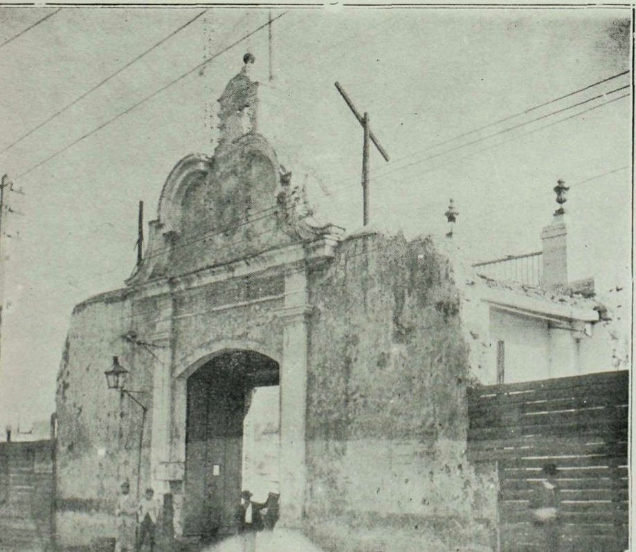 puerta del Arsenal muralla de la habana