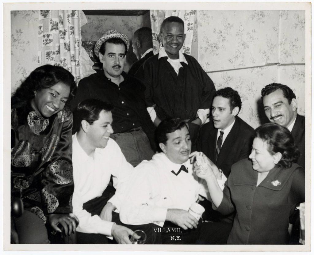 uno del duo Los Casanova Rolando Laserie Celia Cruz Lucho Gatica Rosendo Rosell un deconocido Guillermo Alvarez Guedes y Tita la esposa de Rolando 1960