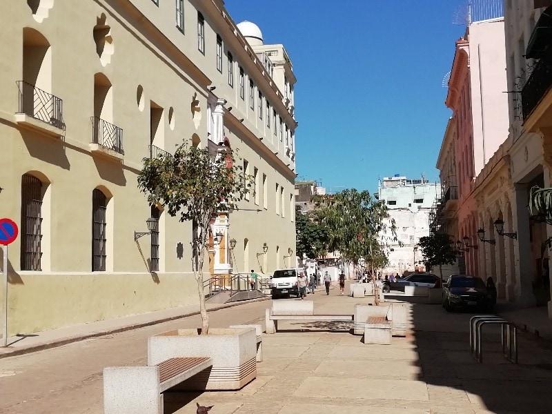 Calle Compostela frente al Convento de Belén