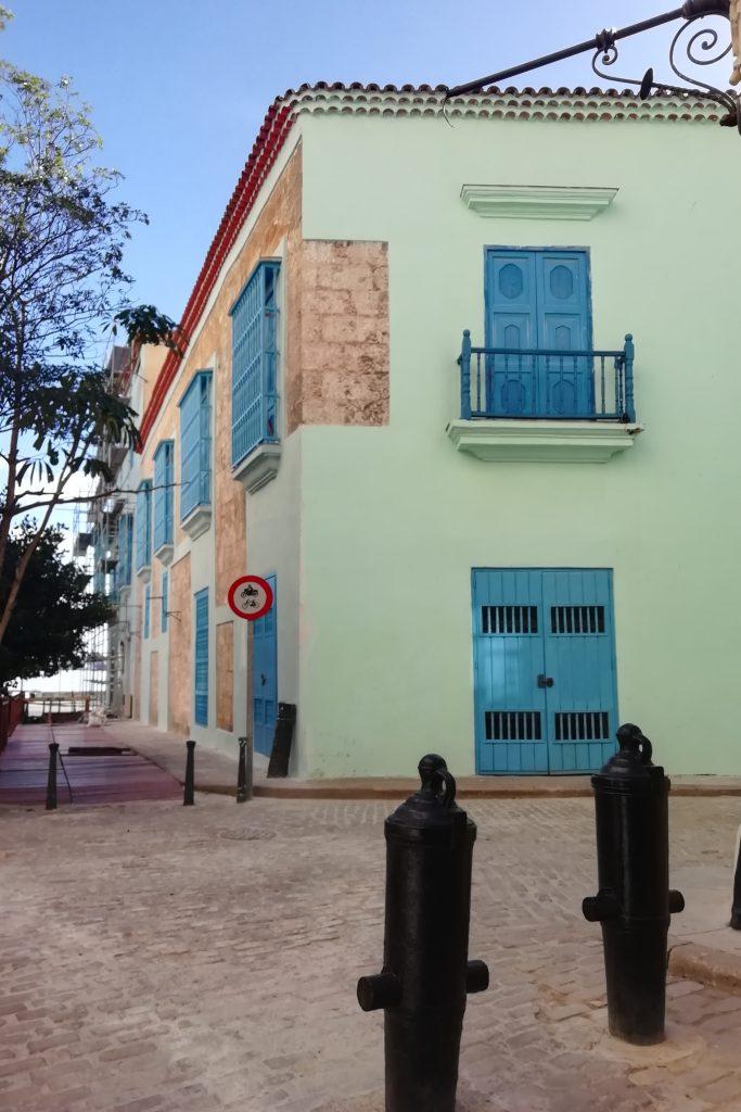 Casa de Baratillo 103 vista desde la Calle Obrapía