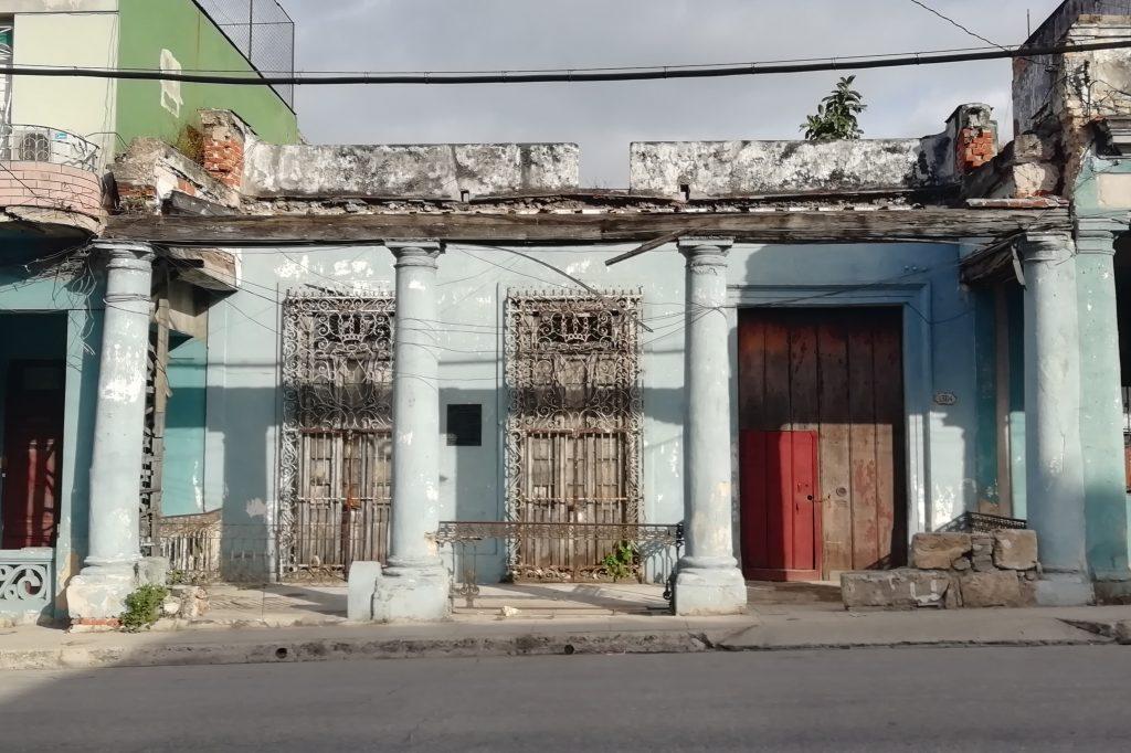 Casa natal de Gustavo Sánchez Galarraga en la Calzada del Cerro de La Habana
