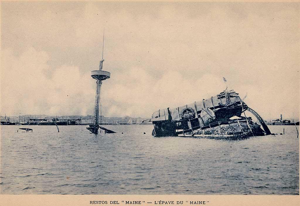 Restos del U.S.S Maine en la bahía de La Habana
