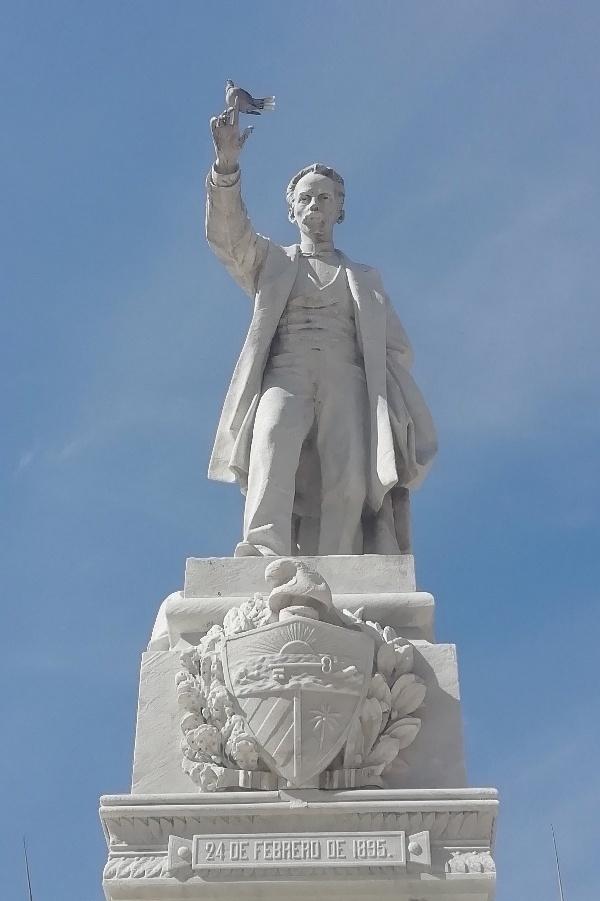 Monumento a José Martí en el Parque Central de La Habana obra de José Vilalta