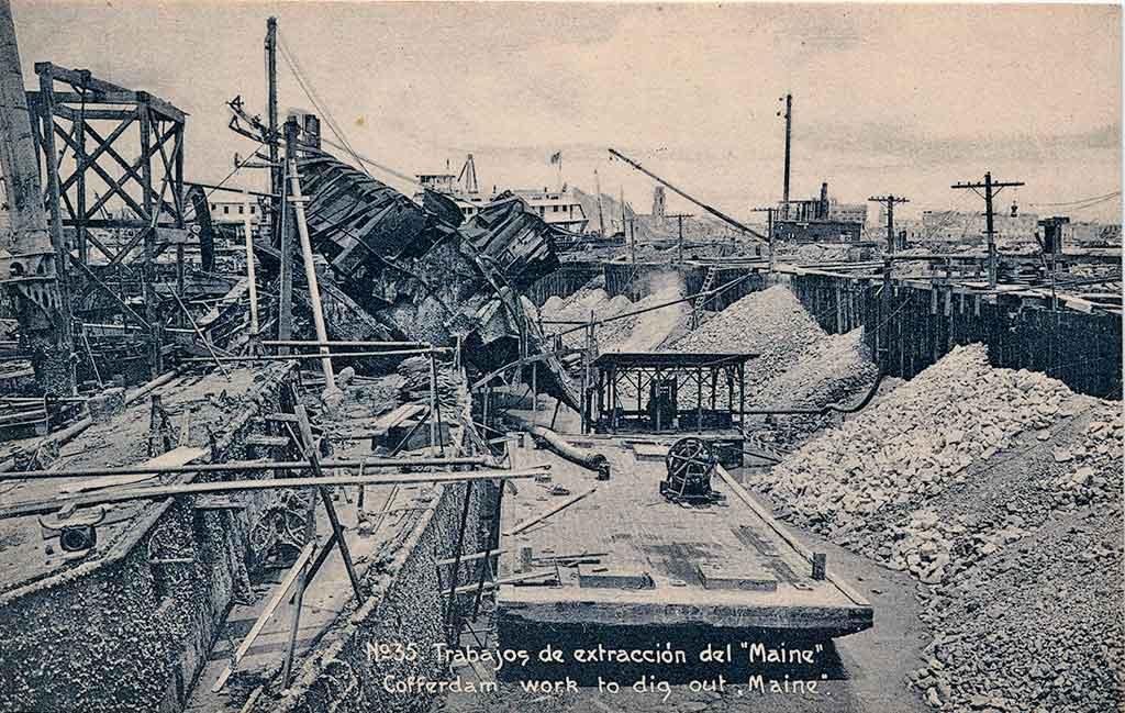 Obras de extracción del U.S.S Maine en la Bahía de La Habana 1912