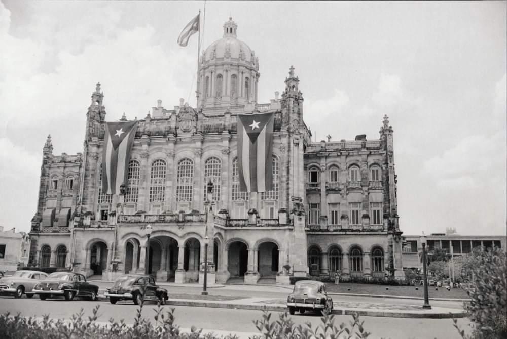 Palacio Presidencial a mediados del siglo pasado