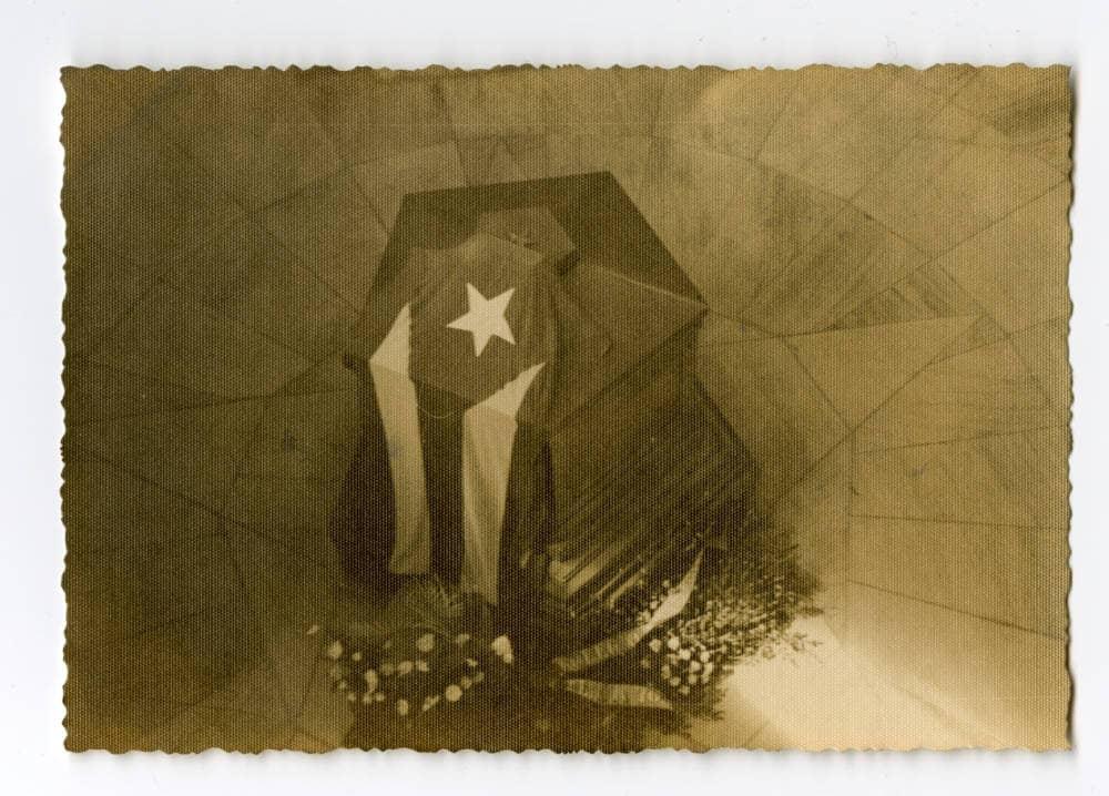 Urna con los restos de José Martí, 1951