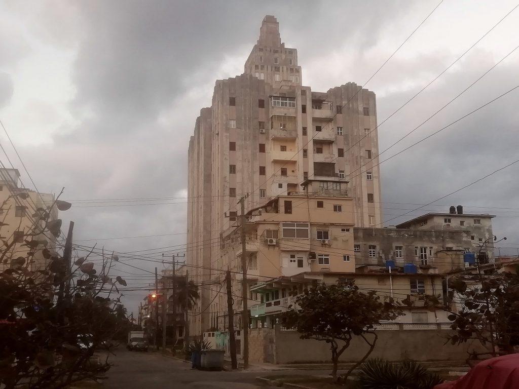 edificio Lopez Serrano en el Vedado