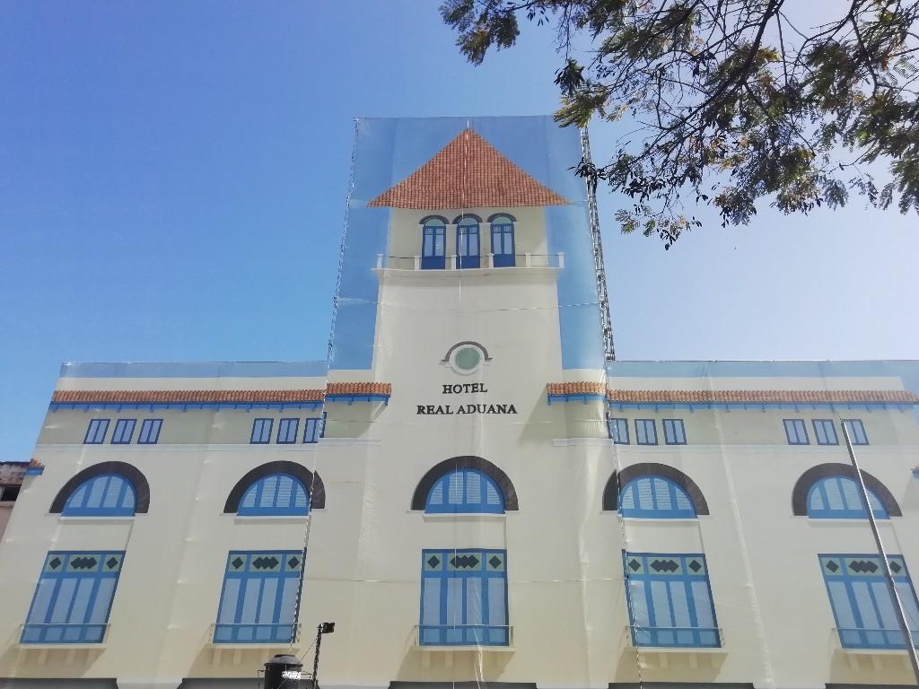 Hotel Real Aduana en el antiguo edificio de la Aduana de La Habana
