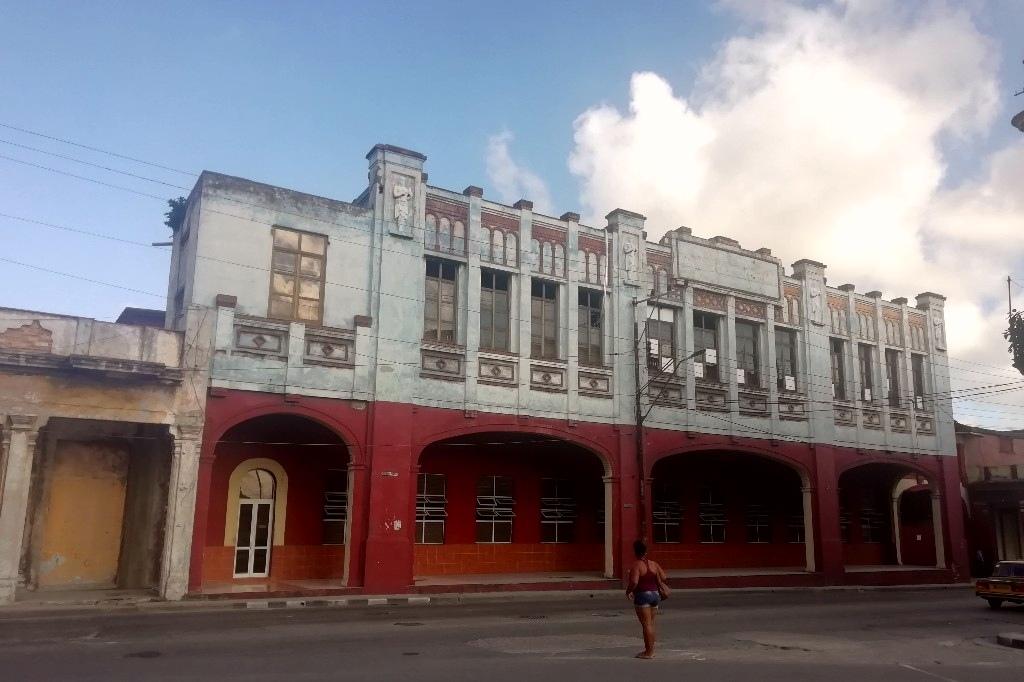 La Lechera Fabrica de Leche y Helados La Habana