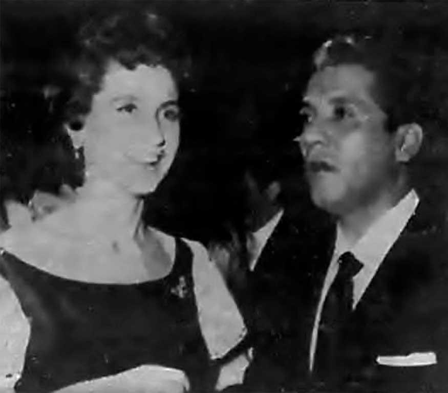 Miguel Aceves Mejias y esposa web