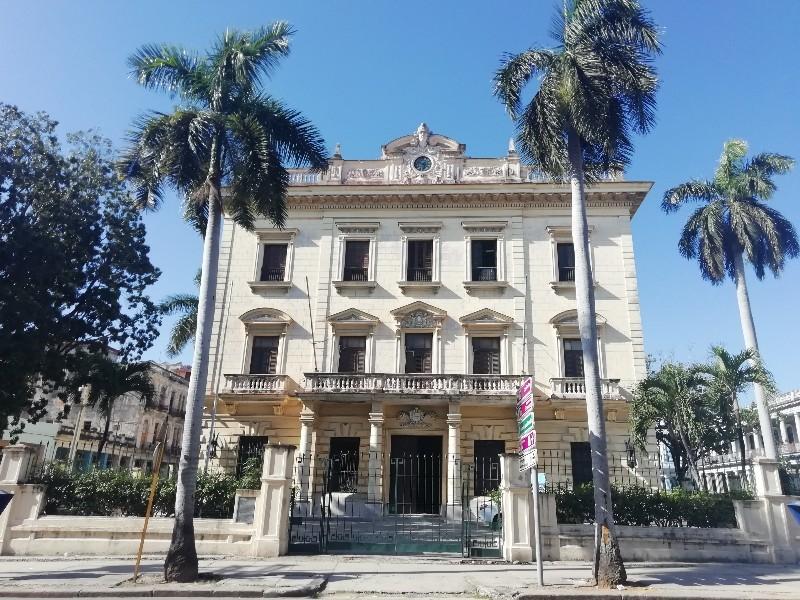 """Palacio de Balboa, donde se presume se conocieron Amelia Goyri """"La Milagrosa"""" y José Vicente Adot"""