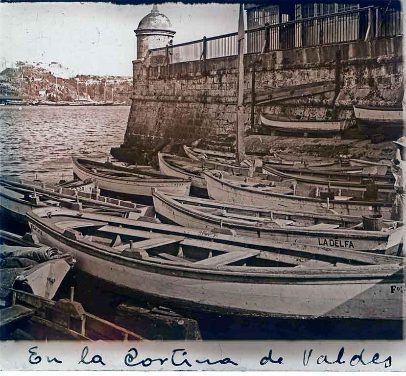 cortina de Valdés. Muralla de mar