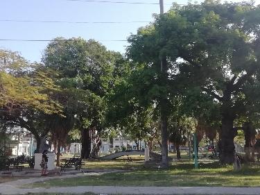 Parque de Palatino visto desde la calle Albear
