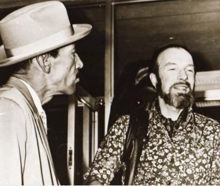 Joseíto Fernández junto a Pete Seeger