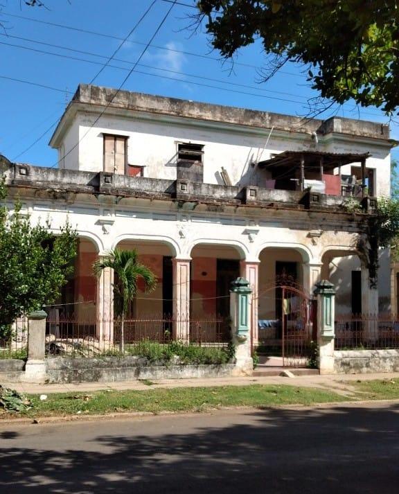 Imagen de la residencia del General del Ejército Libertador Domingo Méndez Capote. Foto tomada por Benito German Peña Galvez.