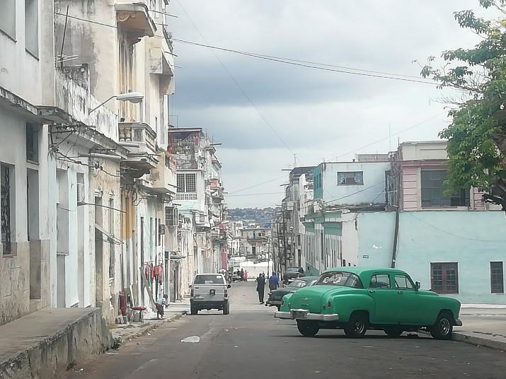 Calle Division Los Sitios Centro Habana