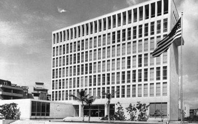 Edificio de la embajada de Estados Unidos en La Habana