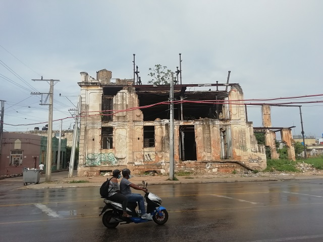 Ruinas de la Fábrica de Chocolates La Estrella en la la calle Infanta No. 951