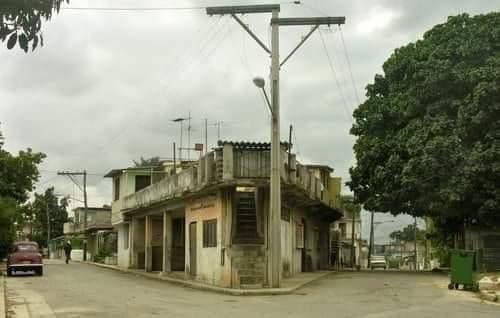 Bodega del barrio de La Dionisia en Nuevo Vedado
