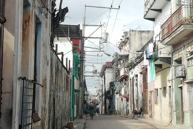 Calle Tenerife Centro Habana Cuba