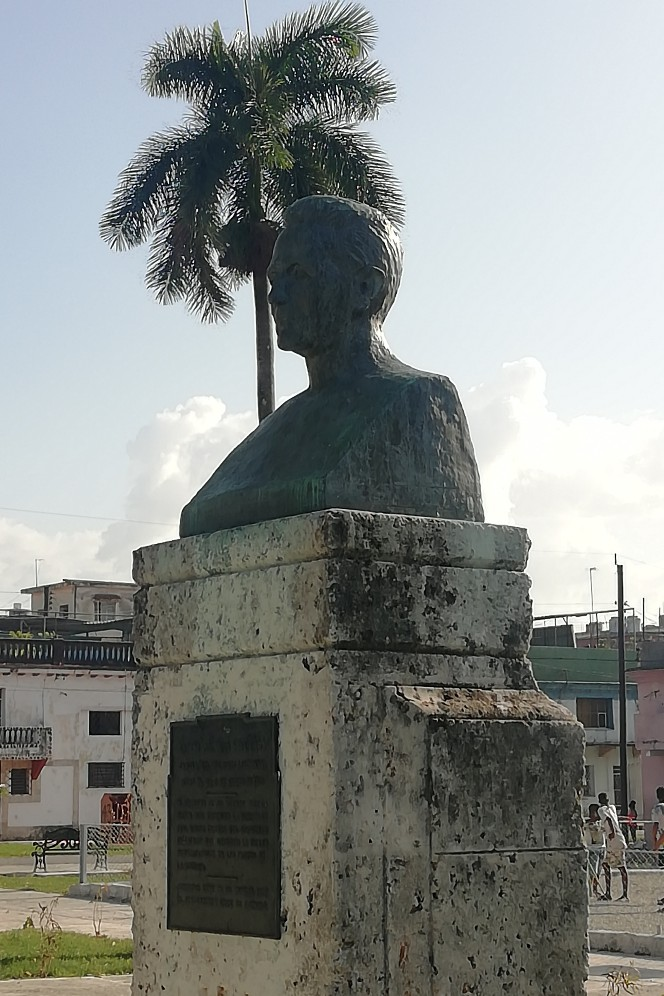 Monumento a Arturo del Pino en el Parque de Fábrica, Luyanó