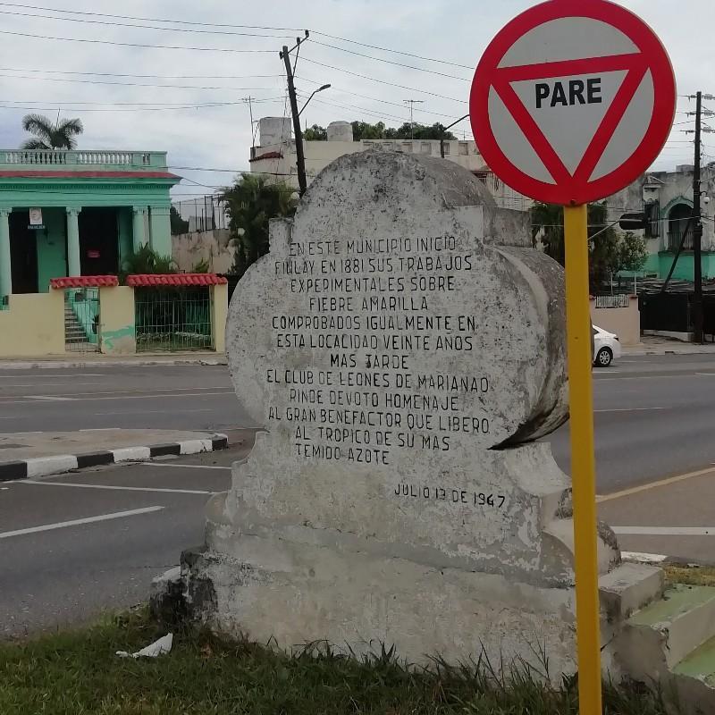 Monumento a Finlay erigido por el Club de Leones de Marianao en 1947