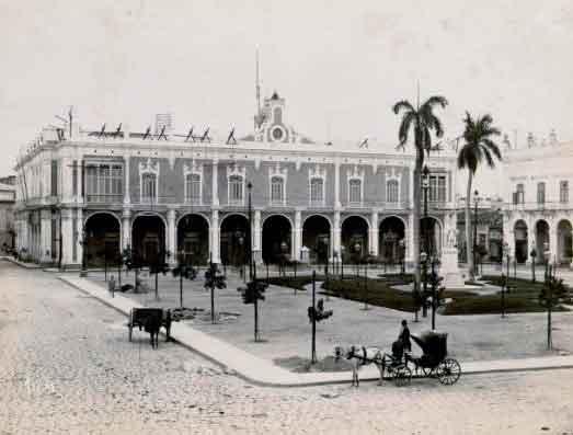 Palacio-de-los Capitanes Generales-1895