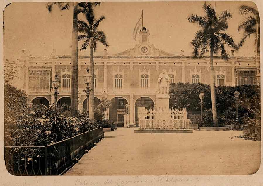 Plaza-de-Armas-1870