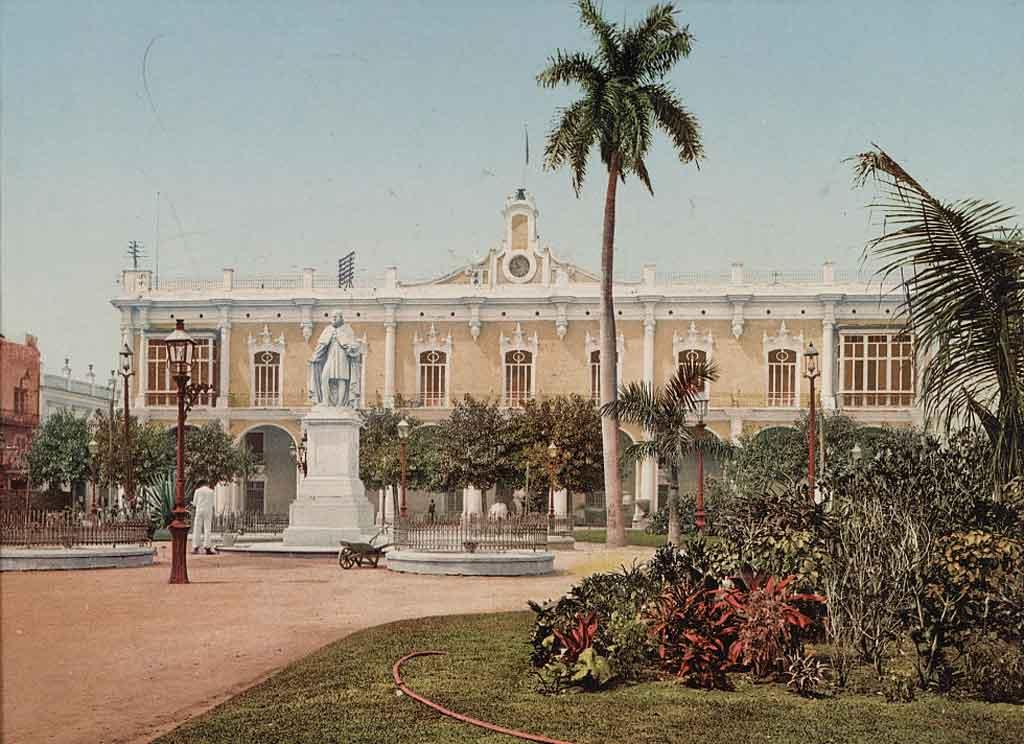 palacio de los capitanes generales-plaza-de-armas-1900