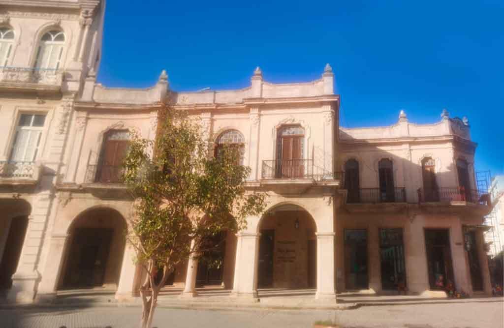 aramburu-plaza-vieja-esquina-mercaderes-y-teniente-rey