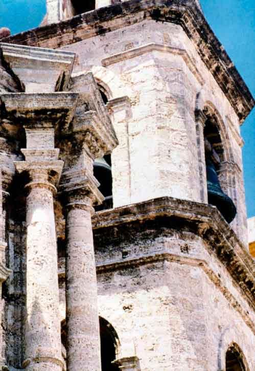 detalle-del-campanario-de-la-catedral-de-la-habana