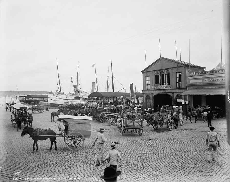 muelle de luz desde donde salian los ferrys regla 1900