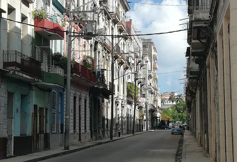 Calle Cienfuegos Habana Vieja